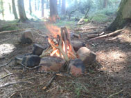 Lighting a bushcraft cooking fire