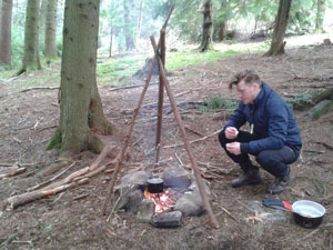 bushcraft cooking on a camp fire
